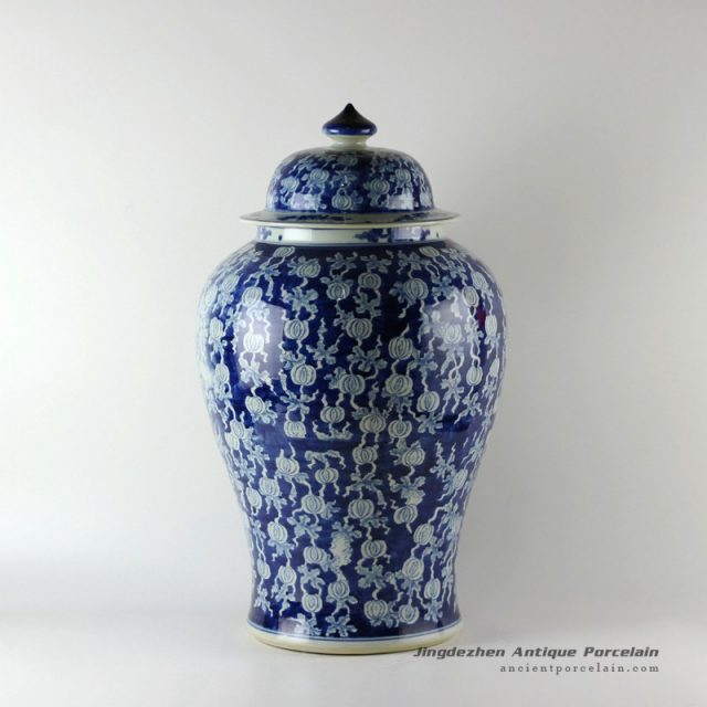 RYLU19_Wholesale hand painted white and blue floral fruit vintage Porcelain Ginger Jars