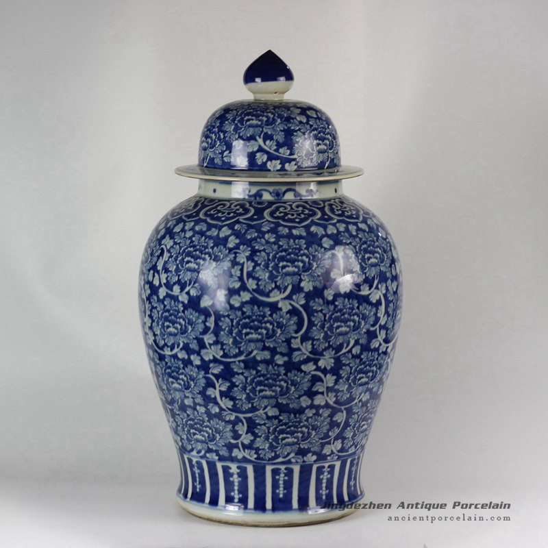 RYLU47_Hand painted Flower Design Blue and White Temple Jars