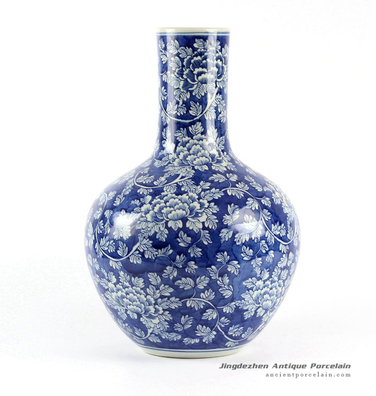 RYLU62-B_Blue and White Floral Porcelain Ball Vase