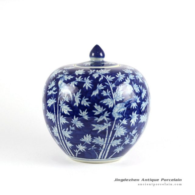Rylu68 D Oriental Chinese Hand Painted Blue And White Porcelain Vintage Cookie Jar