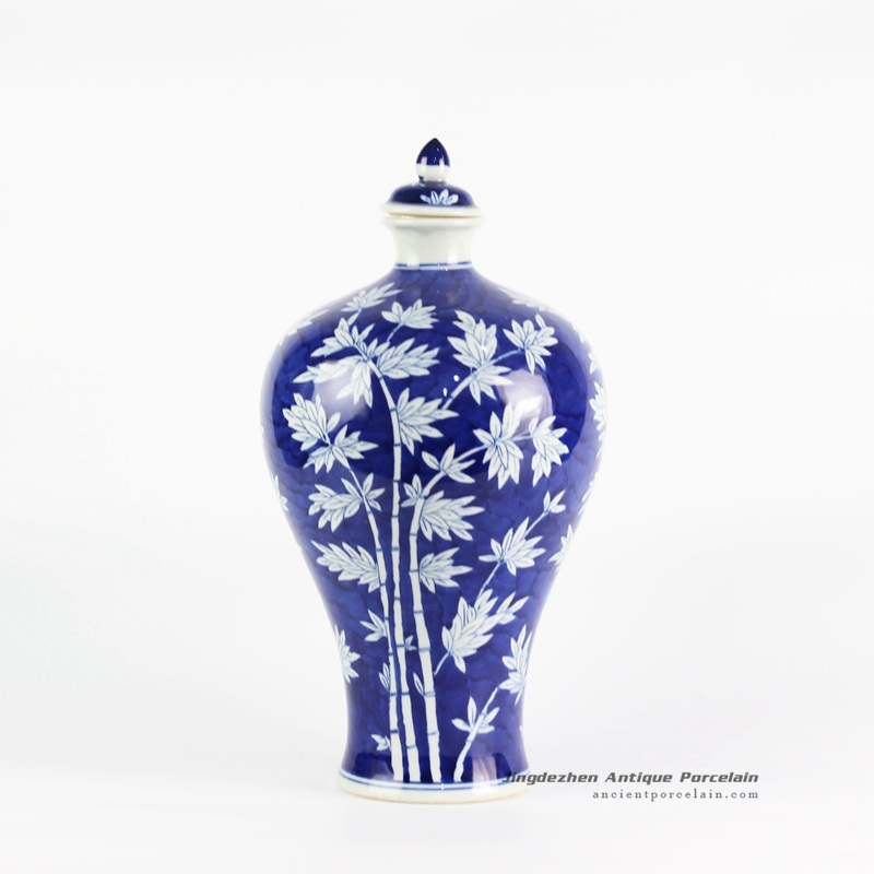 RYLU103_Blue and white bamboo pattern Meiping vase with lid