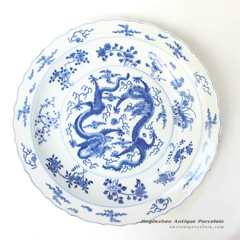 RYQQ43_17inch Hand painted Dragon design Blue and white Porcelain Charger