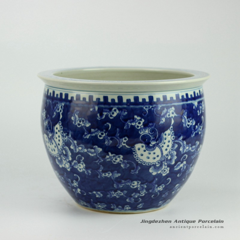 RYWD17_Hand painted blue and white large ceramic plant pot vat