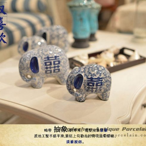 RYPU30-D_High quality warm and sweet home decor blue and white porcelain pair elephant figurines