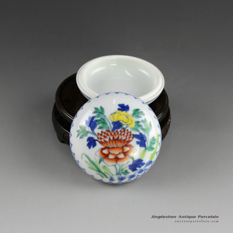 14AS138_Qing dynasty reproduction Jingdezhen Porcelain inkpad box hand painted floral design