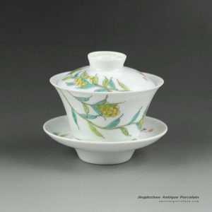 14NY20_100cc Jingdezhen hand made famille rose painted porcelain Gaiwan, floral design