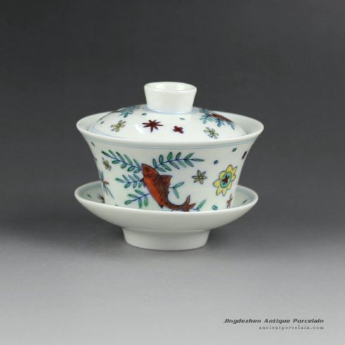 14YM06_Jingdezhen hand made porcelain Gaiwan, blue white doucai fish design