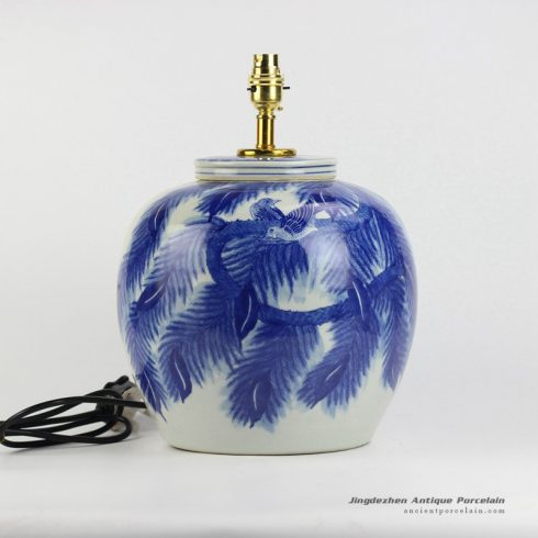 DS77-RYWI20_Leaf and couple birds pattern blue and white porcelain body table lamp