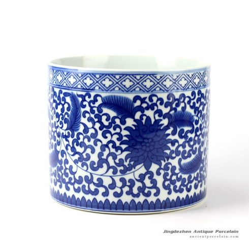 RYCI37_Blue and white floral mark tubular ceramic pot