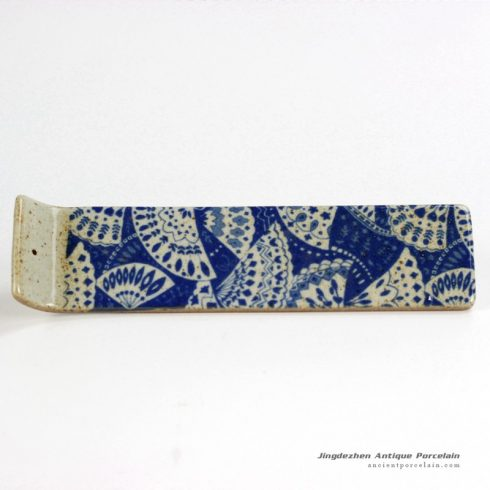 RYEJ18-E_Peacock tail spreading pattern blue white strip mud incense burner
