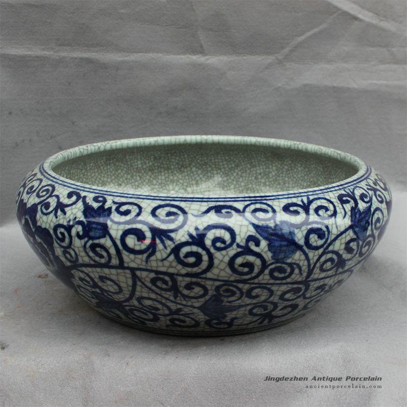 RYHD28_ Chinese blue white fish bowl