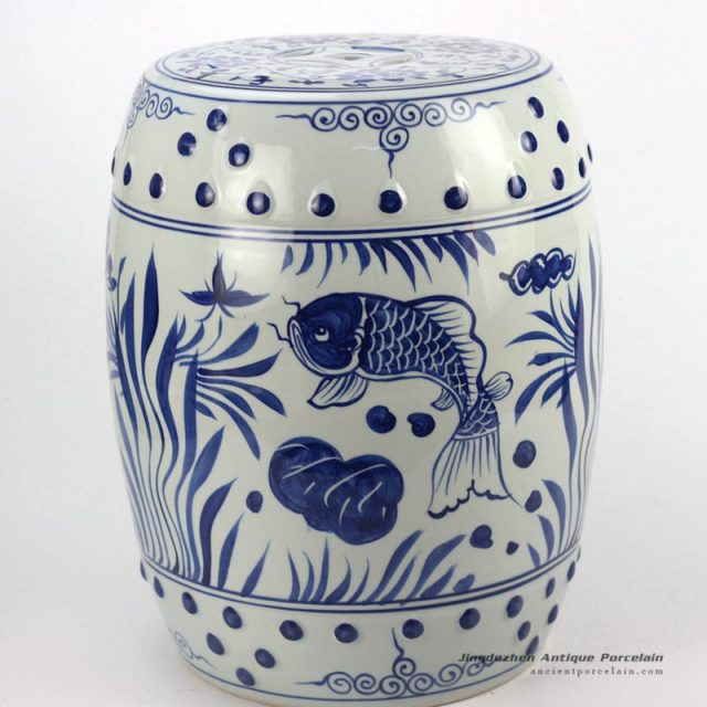 RYLL42_Hand painted blue and white fish pattern porcelain garden seats