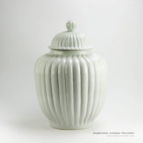 RYMA95-B/C_Solid color ceramic temple jar 21.5″