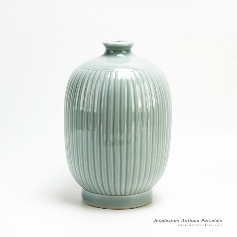 RYMA96/B_ Hand Made Ceramic Vase