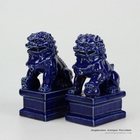 RYXP21-B-old_ Craig blue ceramic lion statue