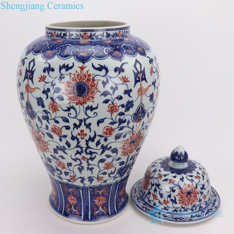 Red glaze blue and white hand drawing pot bottle view