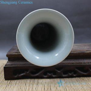 Jingdezhen blue and white antique ceramic vase bottle view
