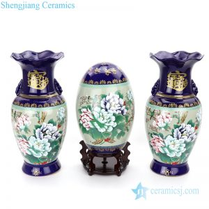 display cerami with flower design vase
